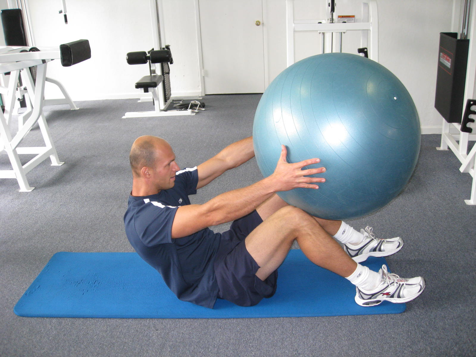 all body resistance workout - abs with ball