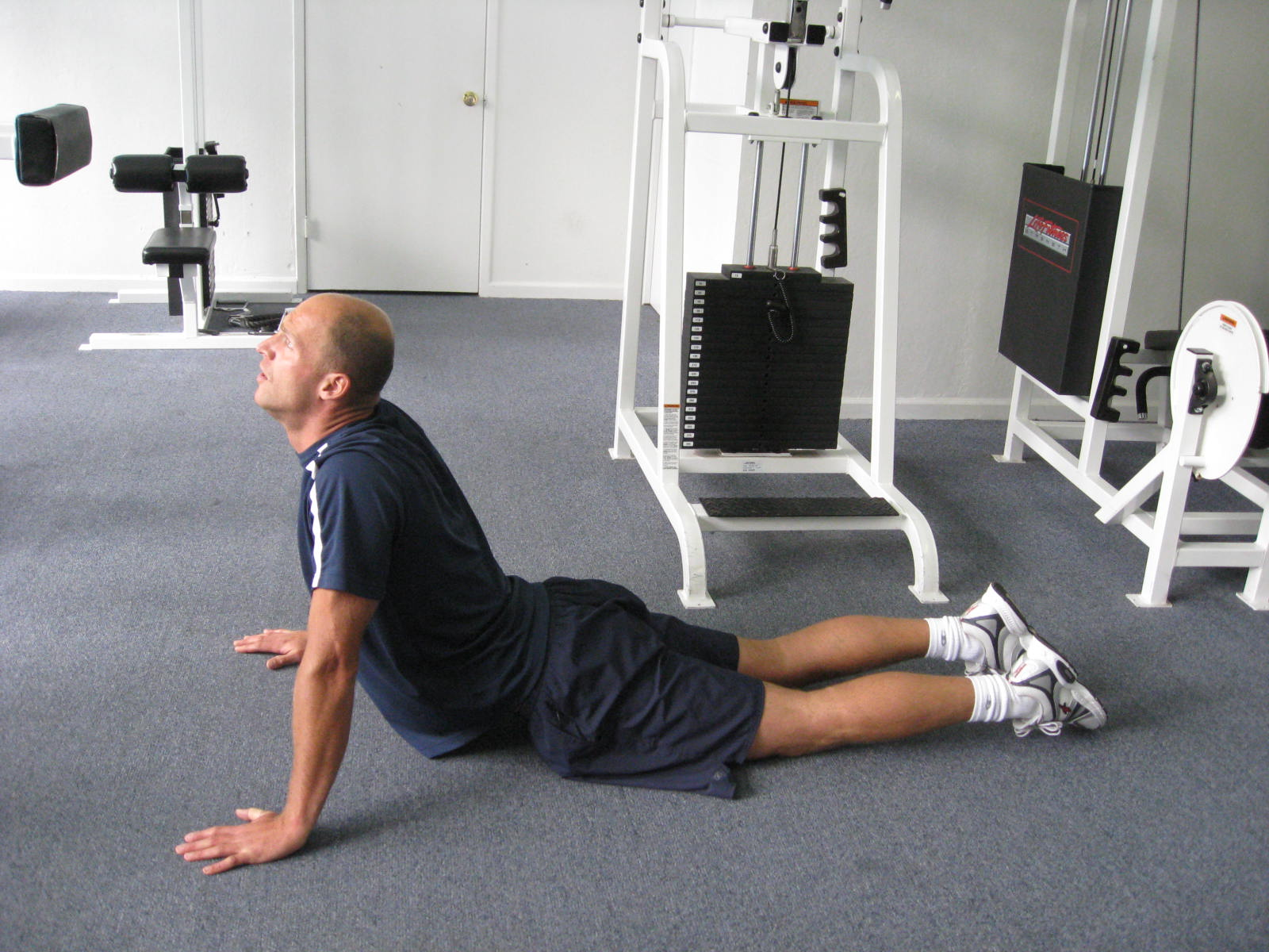 all body resistance workout - abdominal stretch