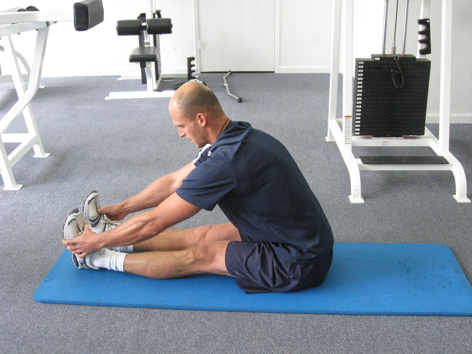 all body resistance workout - hamstring stretch