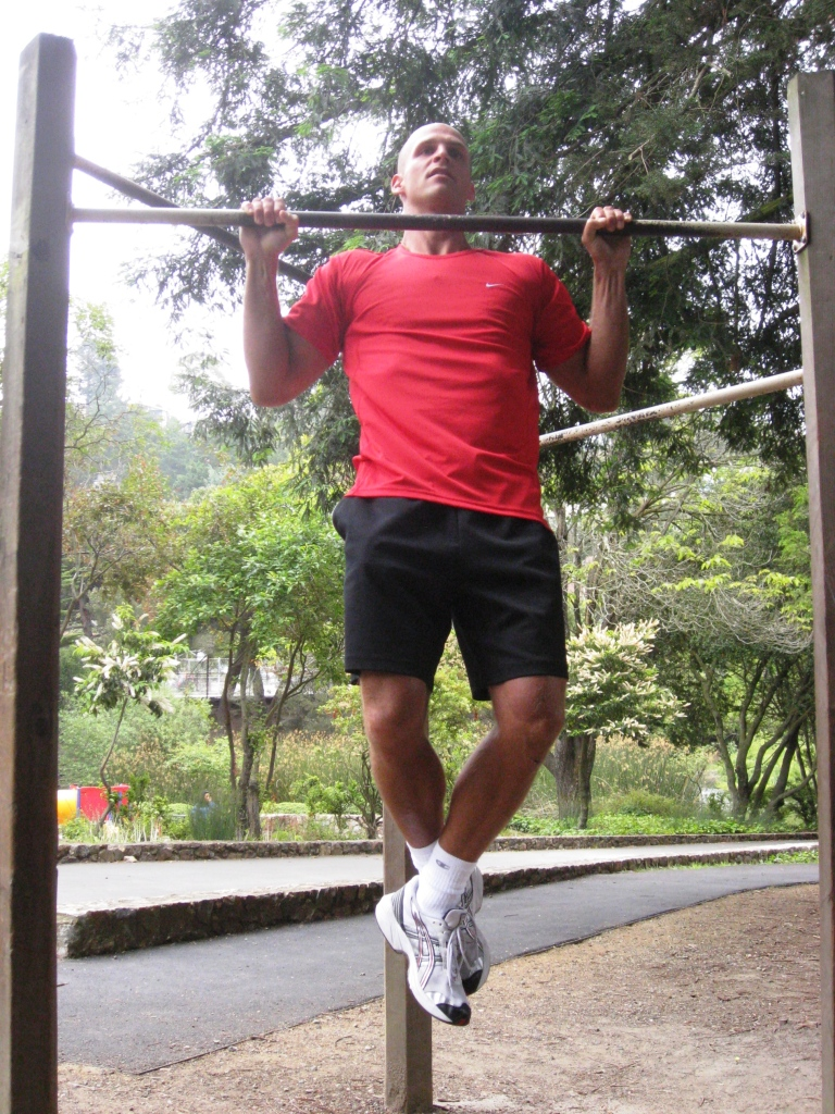 Chin ups workout - wide grip